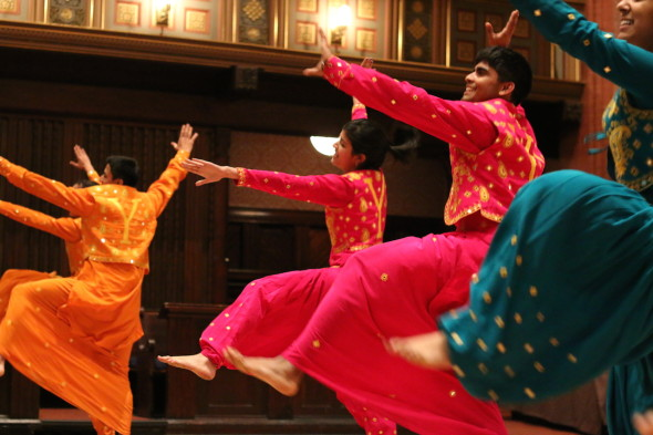 Undergraduate performance groups showcase their talent at the cultural show (photo by M. Lee)